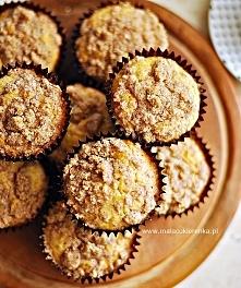 Proste muffinki z rodzynkami i kruszonką. Przepis po kliknięciu w zdjęcie.