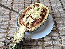 Szarpana wieprzowina zapiekana w ananasie. Kliknij w zdjęcie po przepis.