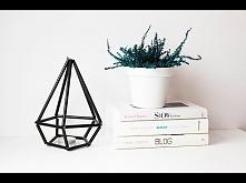 Geometryczny kryształ ze sł...