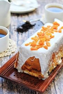 Jogurtowe ciasto z dżemem brzoskwiniowym