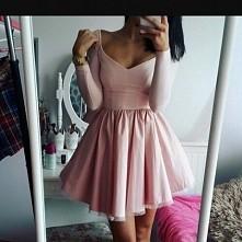 sukienka : *