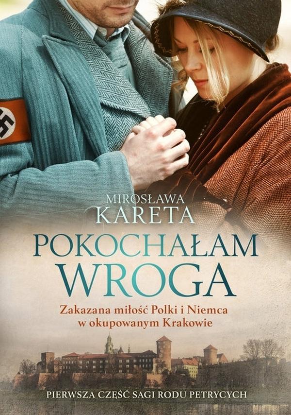 """""""Pokochałam wroga"""" Mirosława Kareta  KRÓTKI OPIS: Przekleństwo uczuć, bezlitosna wojna i rodowe tajemnice To był związek nie do pomyślenia. Dla otoczenia, dla rodziny i dla samej Jadwigi. Podczas wojny nawet szlachetny człowiek ubrany w niewłaściwy mundur - zawsze będzie śmiertelnym wrogiem. Zwłaszcza gdy rywalem do serca kobiety jest członek ruchu oporu… Kilkadziesiąt lat później tajemnicze słowa matki wypowiedziane na łożu śmierci i odnaleziony osobisty pamiętnik z wojennych lat naprowadzą Maksymiliana na trop mrocznej rodzinnej tajemnicy i zarazem narodowego tabu. Szanowany krakowski lekarz szybko przekona się, że są osoby, które nie cofną się przed niczym, aby uniemożliwić mu poznanie prawdy.  Pierwszy tom sagi rodziny Petrycych zachwyca intrygującą fabułą, autentycznością moralnych dylematów i wiernym oddaniem realiów okupowanej Polski. Podobne historie pisało samo życie - na ich ślady autorka, dziennikarka i historyk, natrafiła w Krakowie i w Monachium, miastach, z którymi związana jest od lat."""