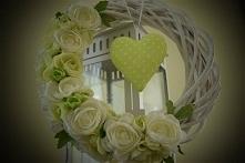 Piękny wianek kwiatowy w odcieniach bieli i zieleni,Dziedzicka Dekoracje zapraszam na Facebooka