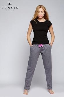 Słodkie połączenie >> Spodnie dresowe z uroczą kokardką + czary t-shirt >> Sensis w sklepie Olive.pl Bądź na bieżąco z promocjami i nowościami! ✂ Zapraszamy na nasz ...