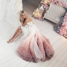 Nietypowa suknia :)