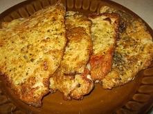 Kotlety schabowe w cieście czosnkowym lub musztardowy     1 kg schabu  Ciasto;  2-3 duże jaja  2 łyżki mąki ziemniaczanej  7 ząbków czosnku-przeciśniętego przez praskę  1 łyżecz...
