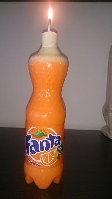 świeczka w kształcie butelki Fanty