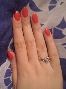 Semilac propozycja paznokcie krótkie soczysta czerwień