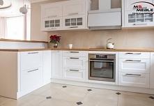 Przepiękna biała kuchnia wy...
