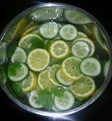 Jedz zdrowo, pij wode, trenuj ostro ! (przepis na wodę Ewy Chodakowskiej)