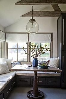 Bardzo przytulne wnętrze pełniące rolę kącika śniadaniowego. Zobacz jak zapro...