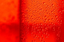Prysznic zmienia kolor, żeby oszczędzać wodę :)