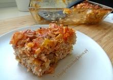 Gołąbki bez zawijania Składniki: 0,5 kg mięsa mielonego wieprzowego (użyłam szynki) 100 g białego ryżu 1/2 główki młodej kapusty 1 duża cebula 1 puszka krojonych pomidorów (400 ...