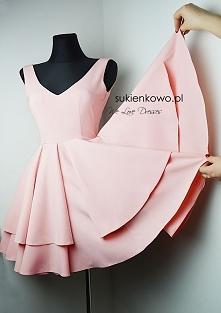Mega rozkloszowana sukienka <3