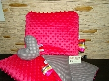Firma KIMI-STYL oferuje komplet Minky z bawełna,przytulaczek serce gratis. zapraszamy na fanpage: KIMI-STYL zapraszamy na zakupy do sklepu: kimistyl.skycart.pl