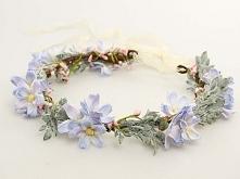 Uroczy i bardzo delikatny wianuszek ze sztucznych kwiatów. Idealny dla panny ...