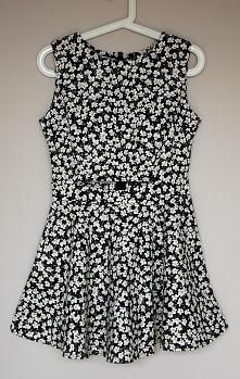 Rozkloszowana sukienka floral - 59,90