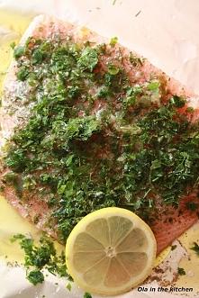 Łosoś pieczony w piekarniku  Prosty sposób na łososia, którego można tak przy...