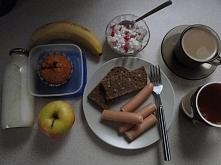 Śniadanie :) + drugie śniadanie do pracy - tym razem muffinka z gorzką czekoladą również produkcji Mamuśki :)