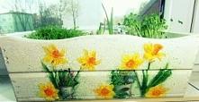 Drewniana skrzynka na zioła, czy kwiaty. Ozdobiona metodą Decoupage, ale postarzana :) Tutorial na blogu, po kliknięciu w zdjęcie.