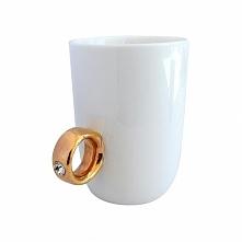 Kubek z pierścionkiem