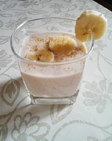 owsianka bananowa do picia idealna na sniadanie lub przekaske ;) ilosc skladnikow dobieralam na oko:  banan kefir ugotowane platki owsianke na mleku troche cukru (niekoniecznie)...