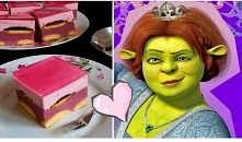 """Ciasto """"Fiona"""" - bez pieczenia Składniki: Masa Budyniowa: 250 ml prawdziwego soku malinowego , 450 ml wody (sok i wodę można zastąpić 700 ml napoju o smaku malinowym i..."""