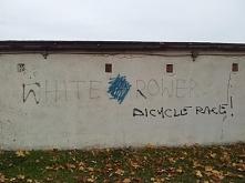 White rower - graffiti Kluc...