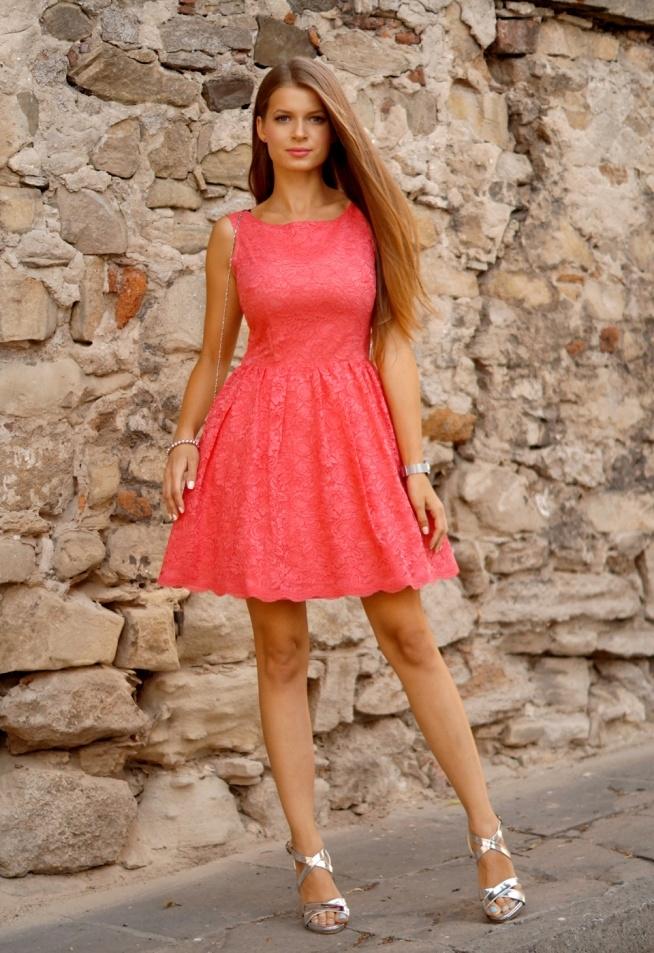 2c364b09 rozkloszowana koronkowa sukienka Illuminate <3 na modnie - Zszywka.pl