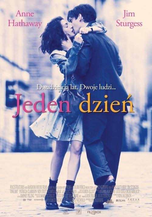 Emma (Anne Hathaway) i Dexter (Jim Sturgess) poznają się w noc ukończenia szkoły - 15 lipca 1988 roku. Ona jest dziewczyną z klasy robotniczej, ma ambicje, marzy o uczynieniu świata lepszym. On jest bogatym uwodzicielem, który pragnie, by świat układał się tak, jak on tego pragnie. Postanawiają spotykać się ze sobą 15 lipca, każdego kolejnego roku. Przez następnych dwadzieścia lat dowiadujemy się o ich miłościach, złamanych sercach, sukcesach, ziszczonych nadziejach i niespełnionych marzeniach.