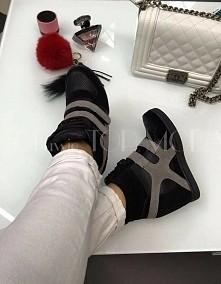 w koncu trafiłam na coś nie przekombinowanego : ) sneakersy <3