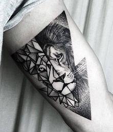 orygialny tatuaz lwa
