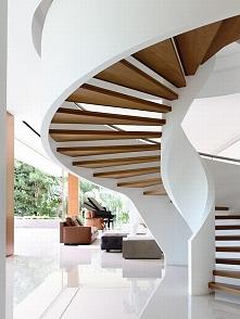 Nowoczesne schody czyli nowoczesna forma schodów w luksusowej rezydencji 65BT...