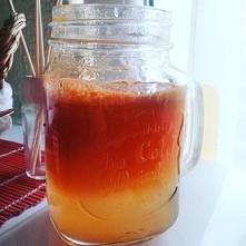 jabłko+marchewka<3 same pyszności:) Jakieś pomysły na rownie pyszny soczek?