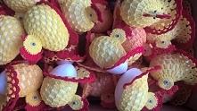 Wielkanocne kurczaki gotowe do wysiadywania jaj.