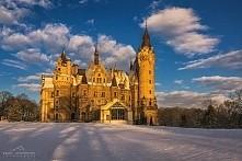 Pałac w Mosznej, Polska
