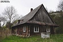 Drewniana chata łemkowska jednej z podkarpackich wsi - zapraszam do inspiracj...