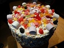 Tort żelkowy z bitą śmietaną zrobiony dla mojej chrześnicy :))