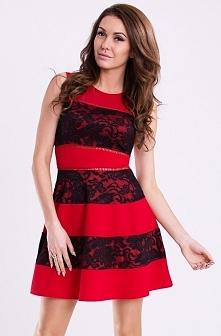 Rozkloszowana sukienka z koronką czerwona