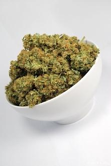 Art marijuana-instagram queen_of_cannabis
