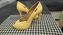 Prima moda r 39 kanarkowe żółte sprzedam  raz założone, żadnych wad  149ZL