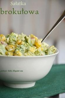 sałatka brokułowa Składniki - 2 brokuły - 1 ser feta w kostce (200 g) - 0,5 k...