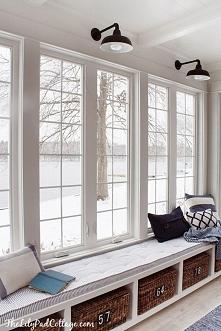 Zainspiruj się - zobacz niezwykłe miejsca do siedzenia przy oknie w tradycyjnym i nowoczesnym wydaniu - zapraszam na nowy wpis z serii 'Amerykański Dom i Wnętrze&#0...