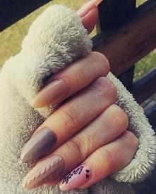 rozwijam skrzydła w tworzeniu paznokci żelowych <3 #nails #paznokcie #sweterek #rapidoart