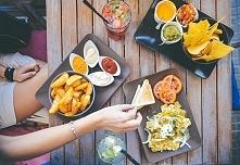DIETA I RESTAURACJA - JAK PRZETRWAĆ?  Okolicznościowe wydarzenia, przyjacielskie spotkania, wypady do restauracji - wydaje Ci się, że nieustannie krzyżują Twoje zmiany w sposobi...