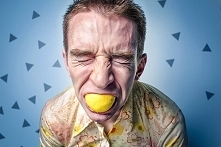 6 SPOSOBÓW NA WALKĘ ZE ZMIANAMI NASTROJU PODCZAS ODCHUDZANIA Choć na każdym etapie życia zmiany nastroju są zupełnie naturalne, to szczególnie destrukcyjne mogą być one w czasie...