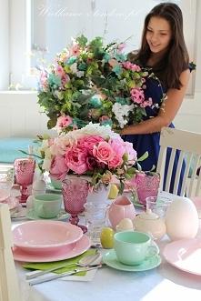 piękna Gracja i stół wielka...