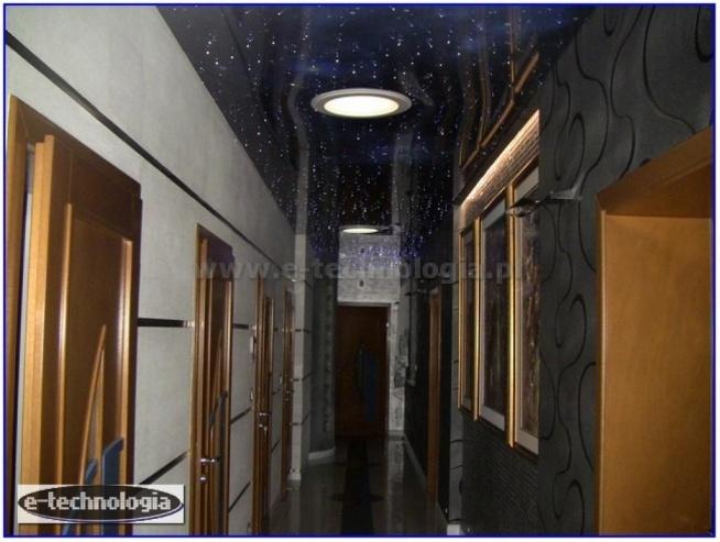 Oświetlenie, oświetlenie korytarza, oświetlenie korytarza aranżacje, oświetlenie korytarza led, oświetlenie korytarza w bloku, gwieździste niebo w korytarzu, gwiezdne niebo w korytarzu