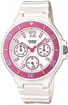 niedrogi biały zegarek na komunię, różowe dziewczęce wstawki, ciekawy datownik