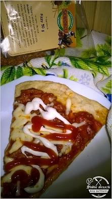 Pizza a la bolognese na ziołowym cieście. Domowa pizza bolognese. Przepis po ...